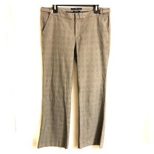Gap b/w pattern dress pants; adjustable side clips